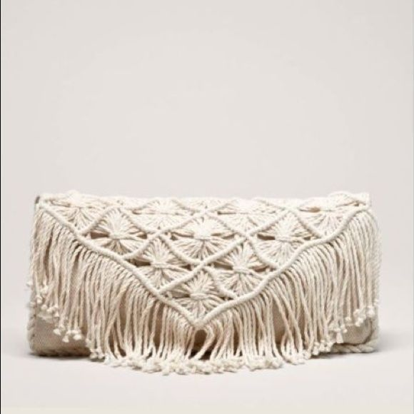 NWT AEO boho fringe clutch Brand new! Perfect gift! Great for fall! American Eagle Outfitters Bags Clutches & Wristlets