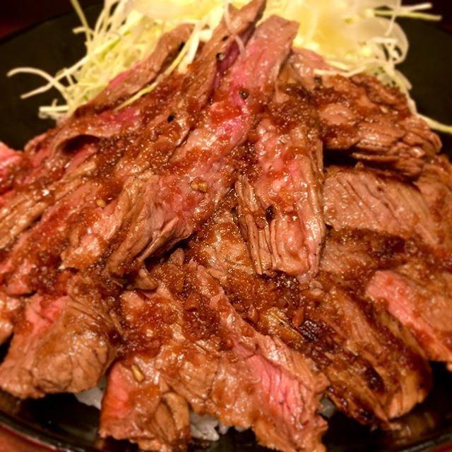 結局行き着くところは肉なんですよね。 #the肉丼の店 #赤坂ランチ #肉 #ランプ肉 #ステーキ丼 #steak #beaf #meat