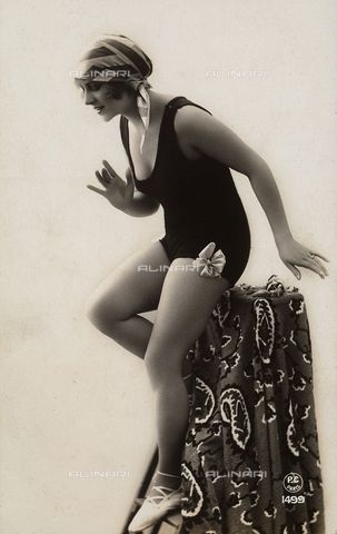 A young woman wearing a bath suit 1925-1930 (c)Fratelli Alinari Museum Collections, Florence