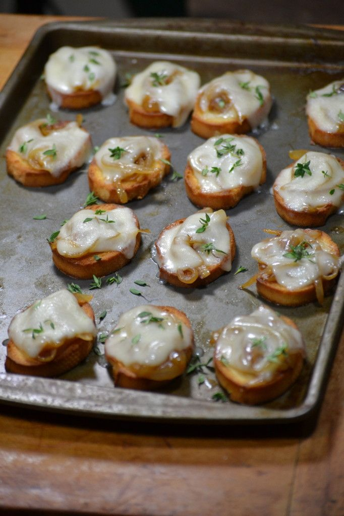 French Onion Crostini | by: Sarah Rae | Pinterest | Onions