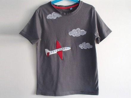 T-shirt da bambino, in puro cotone - nuvole e aereo : Moda bambino di mompatchwork