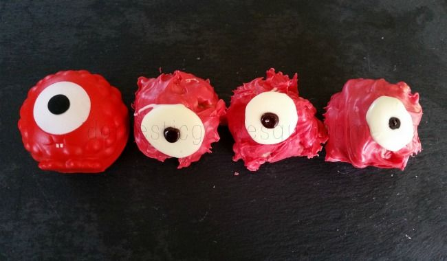 How to make Red Nose Day Rice Krispie Cakes: the ultimate no-bake cake for bake sales and danceathons. #makeyourfacefunnyformoney #RND2015