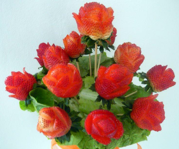 Te gustan las fresas?? Cómelas de una manera diferente!!. Haz tu pedido llamando a nuestra oficina al 829-433-1366 o al celular (Whatsapp) 849-753-1070