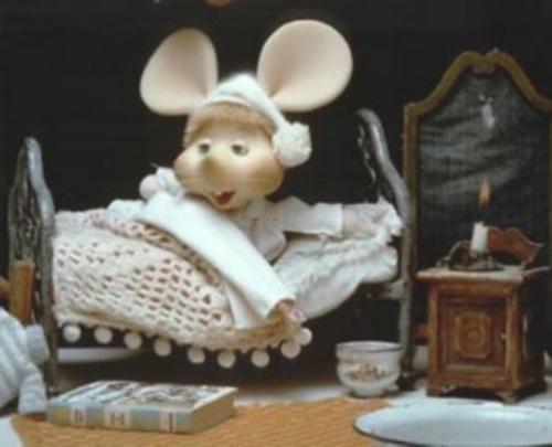 Mouse in bed | Topo Gigio