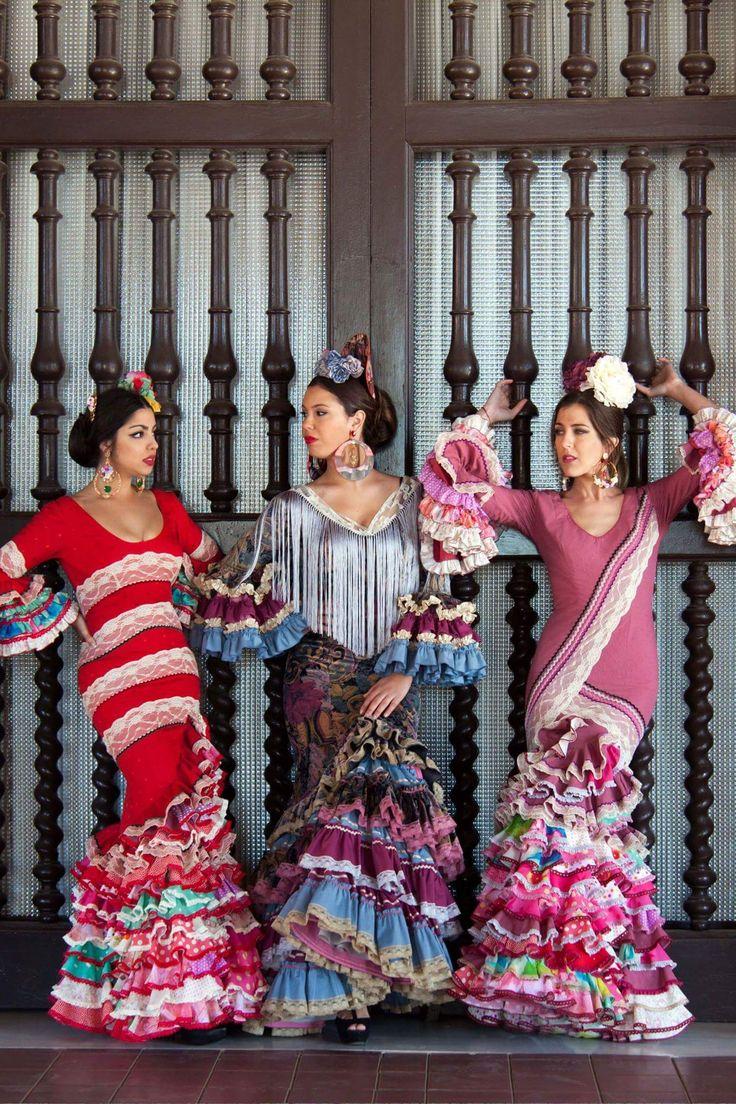 ▶️ Trajes de flamenca patchwork   Diseño exclusivo de Viviana Iorio ▶️ Colección 2015, Sevilla, España  info@vivianaioriotrajesdeflamenca.com