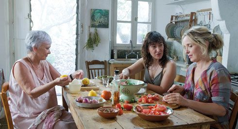 Before Midnight: Ethan Hawke and Julie Delpy give their 3rd rendez-vous at Pylos, #Greece (depicted two Greek actresses with Julie)