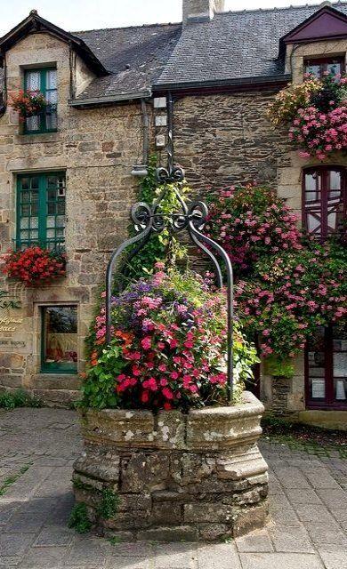 Rochefort-en-Terre, Brittany, France | Flickr - Photo by David Tamargo