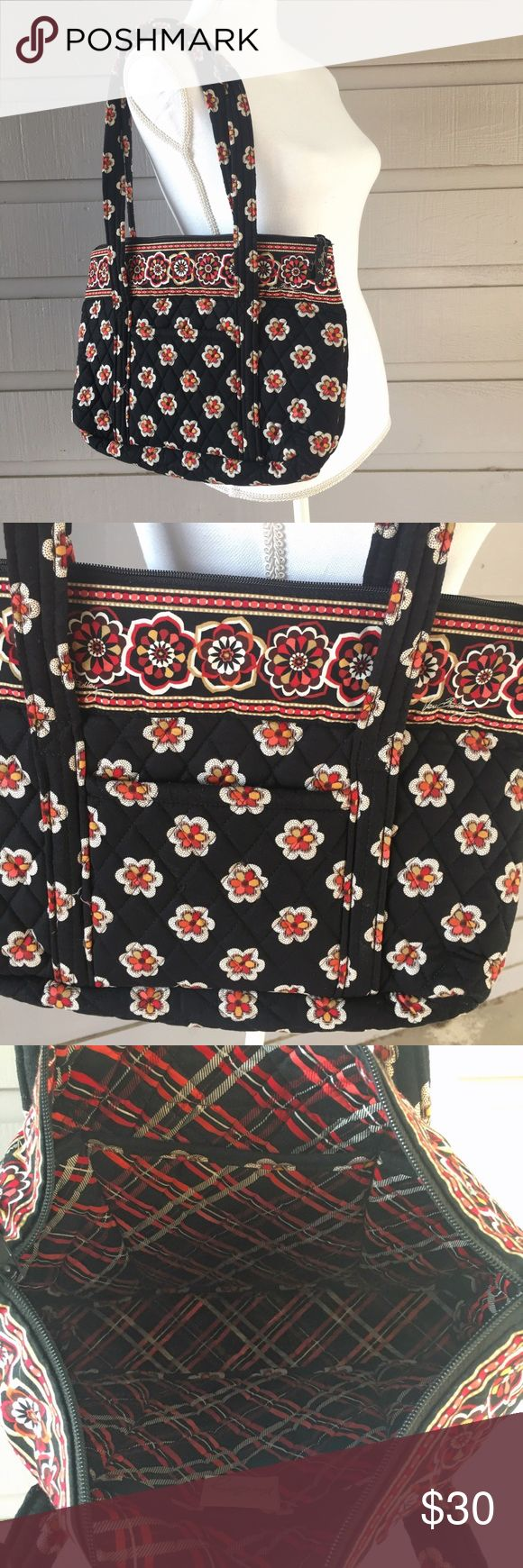 Vera Bradley laptop bag / tote NWOT. Please feel free to ask questions. All offers considered! Vera Bradley Bags Laptop Bags