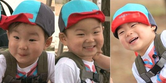 "Song Triplets Are All Smiles at Mud Flat on ""Superman Returns"""