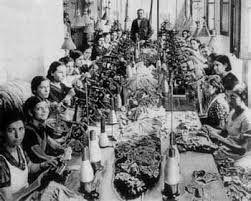 Resultado de imagen para mujeres en la revolucion industrial