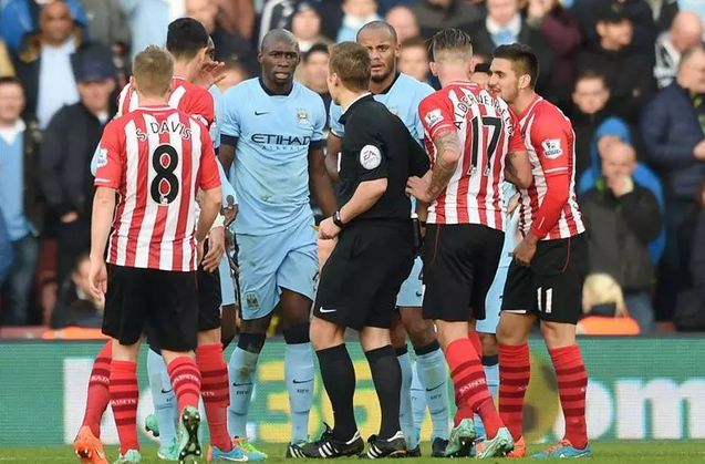 WEAK LINK: Eliaquim Mangala has done little to improve an unstable Man City defence - http://www.squawka.com/news/eliaquim-mangala-has-done-little-to-improve-an-unstable-manchester-city-defence/235066  #MCFC #ManCity #Mangala #EPL