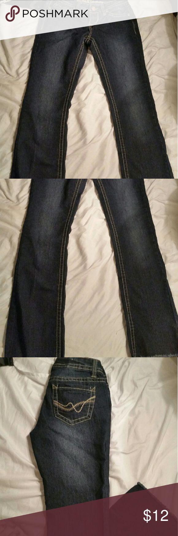 Wallflower jeans Dark colored new jeans  length 29 wallflower Jeans Straight Leg