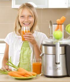Centrifugati e ricette per la centrifuga con l'impiego di frutta e verdura. Le ricette dei centrifugati hanno proprietà utili al mantenimento della salute.