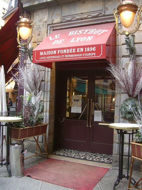 Bistrot de Lyon – 64 rue Mercière, Lyon, France.  Photo: Yvette Gauthier, via Flickr