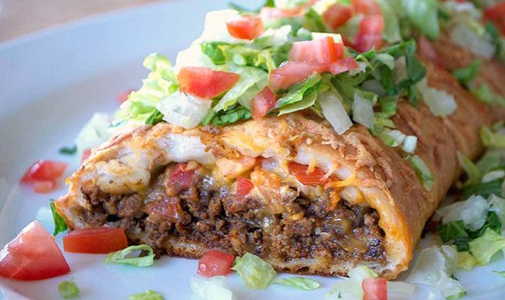 Around here, we love a good taco so whenwefind recipes for creative ways to eat one, we are excited. This taco braid by the lovely Lynne, owner of 365 Days of Baking and More, is just what we were looking for to nosh on while binge watching college bowl games on New Year's Day. Seriously, …
