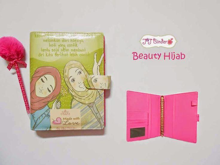 Nama  Produk : Binder Motif Beauty Hijab Ukuran   :A5 20ring : 65rb, B5 26 ring : 75rb Bahan  : Kulit Sintetis Deskripsi : 3 slot kartu, 1 slot foto 1 Slot pulpen