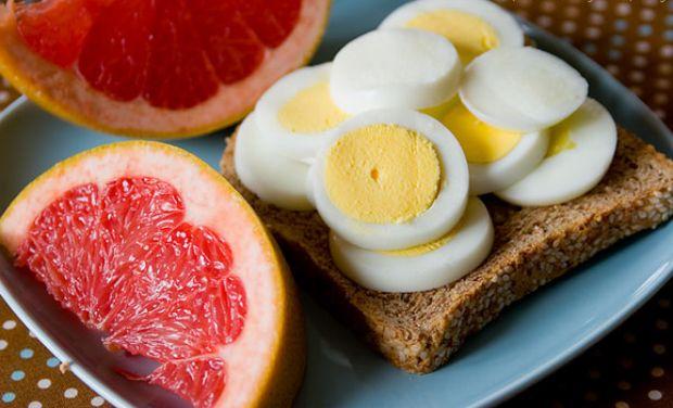 A gyors és tartós fogyáshoz nem kell más, csak tojás és grapefruit! Ráadásul ez a módszer pofonegyszerű!