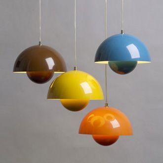 Verner Pantons Flowerpot lamp will never get too popular or too old to me. I love the simplicity of half a sphere inside half a sphere combined with shiny happy colours.
