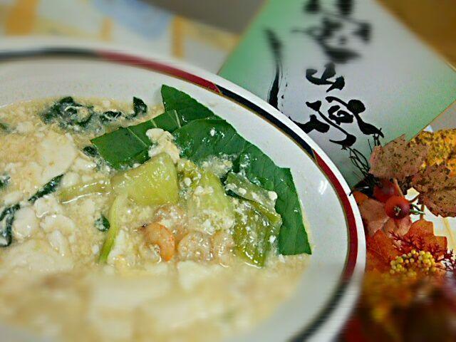 お肉に比べてカロリーの低い豆腐や海老をメインに使い、カロリーを抑えました - 46件のもぐもぐ - 豆腐とえびの中華風炒め煮 by Yoshitsugu  Tsuchiya