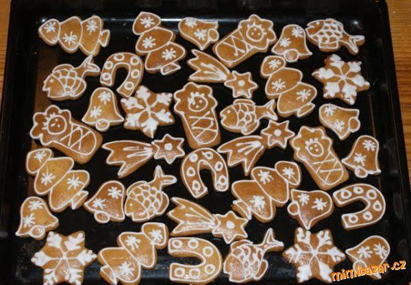 Medové perníčky (lze jíst hned po upečení)