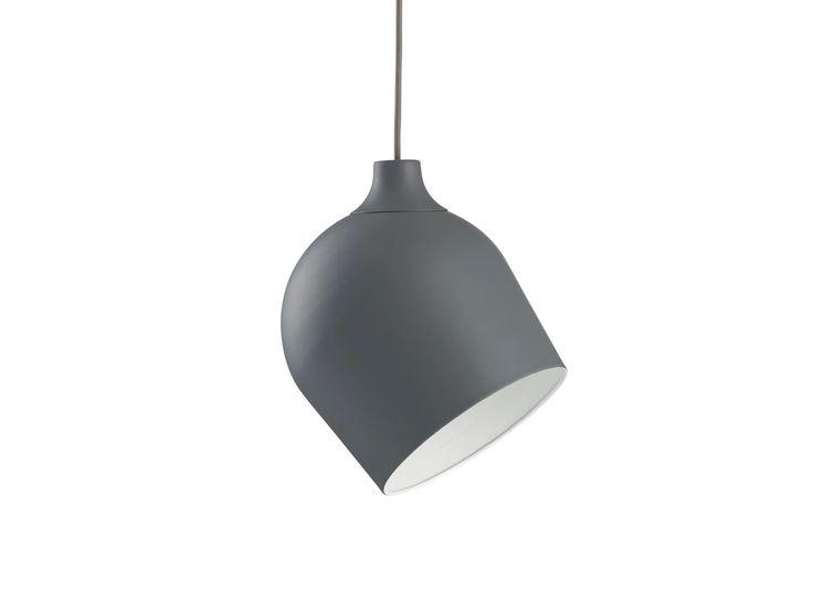 365° North heeft een bijzondere, maar nog steeds zeer eenvoudige lamp ontworpen. De uitstraling is minimalistisch, stoer en industrieel.