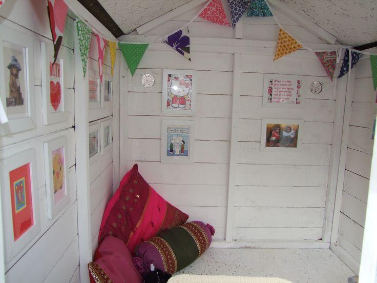 Playhouse interior makeover http://whatkatyblogged.com/2013/04/22/506/ #playhouse #wendyhouse #kidsgarden