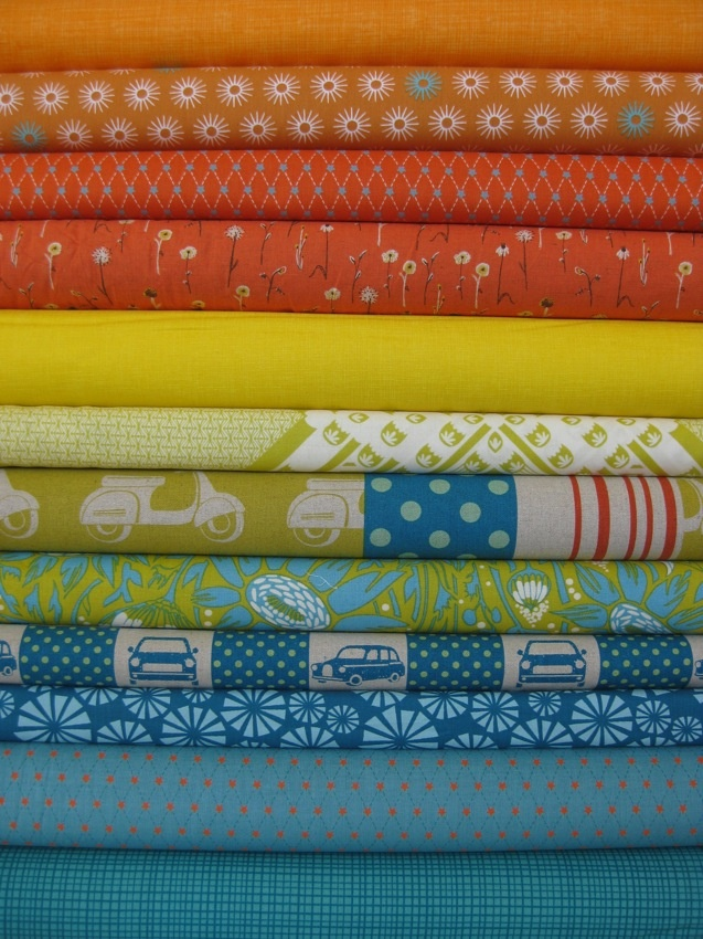 love this stack of fabrics!: Cute Quilts, Colors Combos, Quilts Colors Design, Colors Design Ideas, Ideas Colors, Fabrics Colors, Blue Quilts, Boys Quilts, Quilts Ideascolor