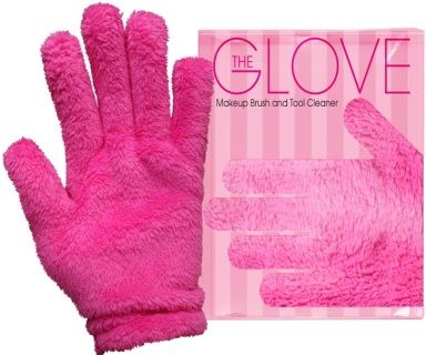Clean+and+condition+your+Makeup+brushes+with+just+water!++The+Makeup+Eraser+Glove+comes+with+two+gloves.+This+sleek+design+was+made+to+clean+your+makeup+brushes+with+no+chemicals.+Simply+add+water+and+remove+all+the+makeup+and+residue+from+your+brushes.+​Most+importantly+the+Makeup+Eraser+Glove+will+condition+your+brushes+and+leave+them+in+better+shape+then+when+you+bought+them.++PRE+ORDER+NOW+