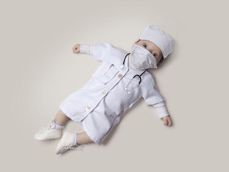Wat wil je later worden? Babies aangekleed in beroepskleding
