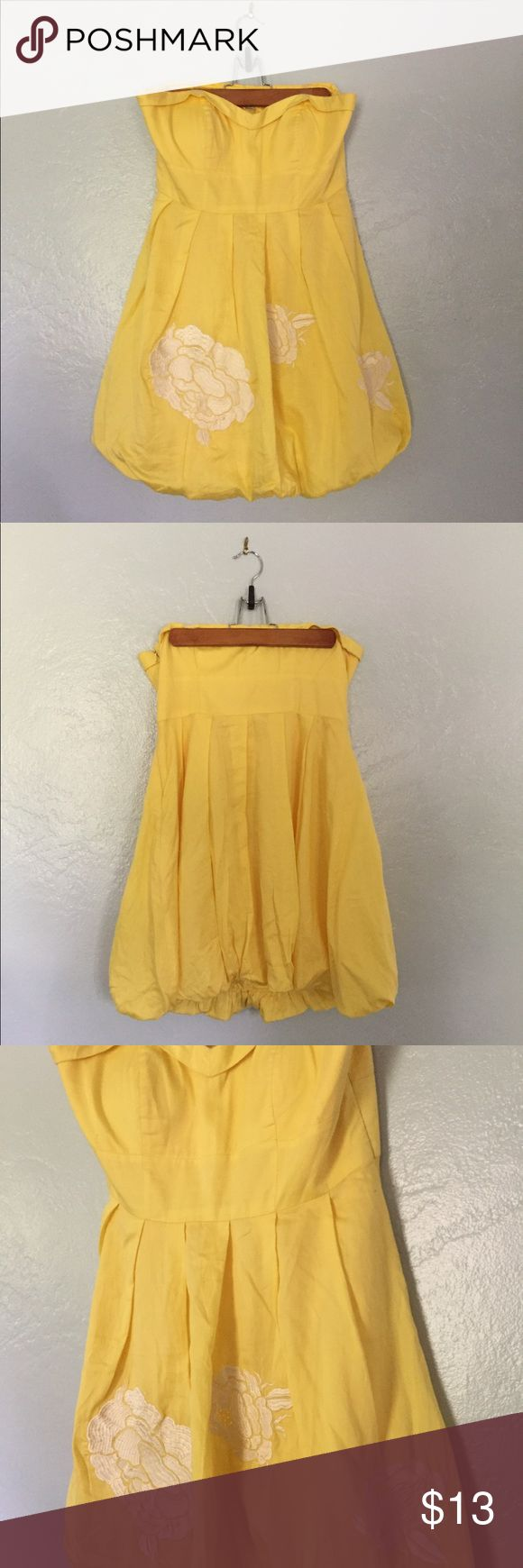 Mini yellow strapless dress Mini yellow zip up strapless dress with white embroidered flowers Forever 21 Dresses Strapless