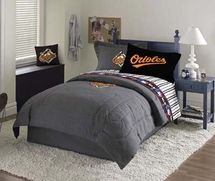 Find Cleveland Browns Childrens Sports Bedding Bed Linens And All Your Decorating Needs At Laurens This Pin More On Major League