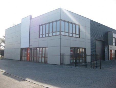 Mooie bedrijfsruimte te huur aan de Amethistweg 43 in Bleiswijk . Betreft 310m2 met 4 eigen parkeerplaatsen. Vraag direct vrijblijvend en gratis uw bezichtiging aan. Bel 085-4013999  http://www.huurbieding.nl/huur/bedrijfsruimte/1-01178/bleiswijk/amethistweg-43.html  #bedrijfsruimte #kantoorruimte #tehuur #huren #bleiswijk #opslag #bedrijfspand #zuidholland #zoetermeer #bieden #huurprijs #huurbieding #mkb