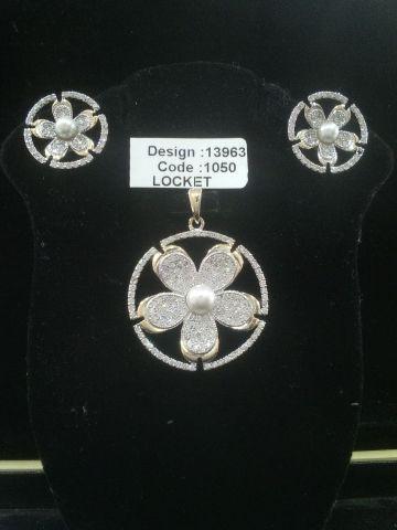 AMERICAN DIAMOND LOCKET SET #Fabme #Suitfabric
