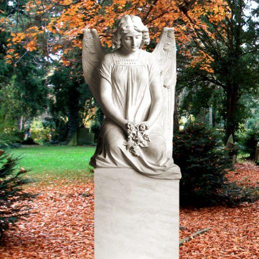 Exklusiver Marmor Steinengel Seduto Grabstein • Qualität & Service direkt vom Bildhauer • Jetzt Grabstein online kaufen bei ▷ Serafinum.de