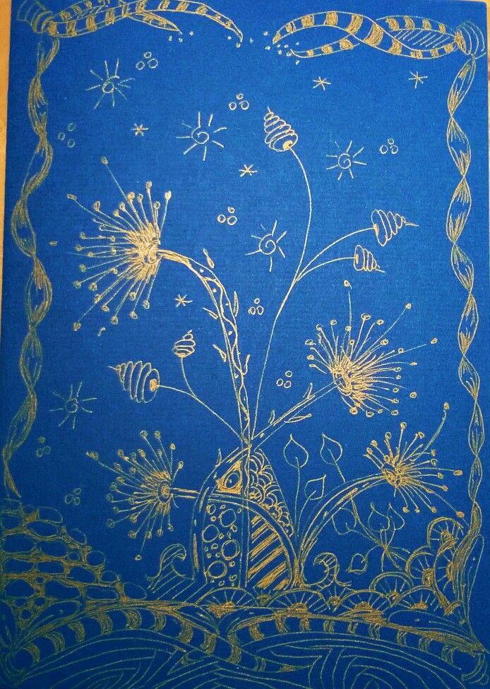Zentangle kék papíron aranytollal