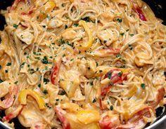 Sajtos-csirkés fajitas spagetti