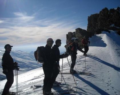 Esquí de Travesía en Sierra Nevada Mulhacén 2 días » Tuawo