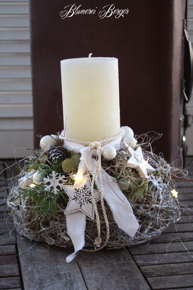 """Weihnachtsdeko - :::: Adventsgesteck """" Winterlich """" :::: - ein Designerstück von BlumereiBerger bei DaWanda"""