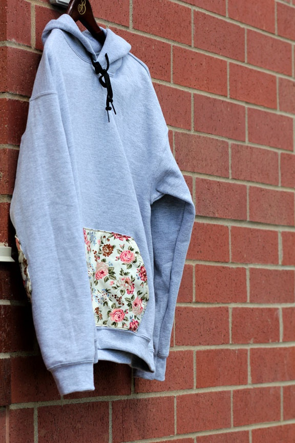 floral sweatshirt diy//add pocket and elbow patches