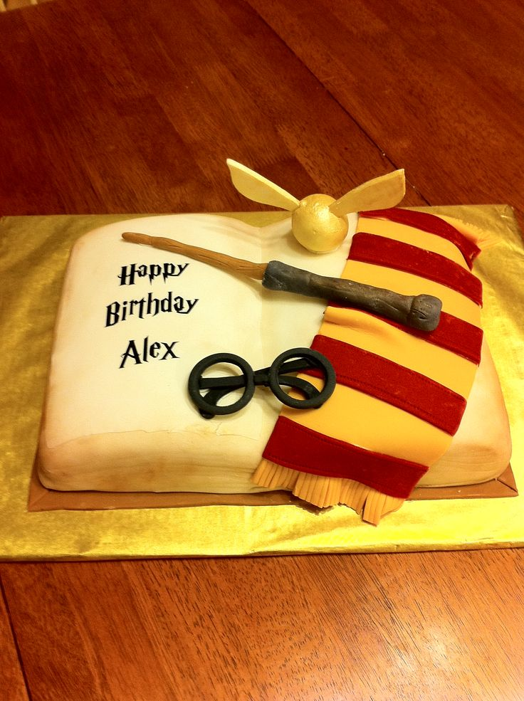 Harry Potter Cake I want one for my birthday FOOD Pinterest