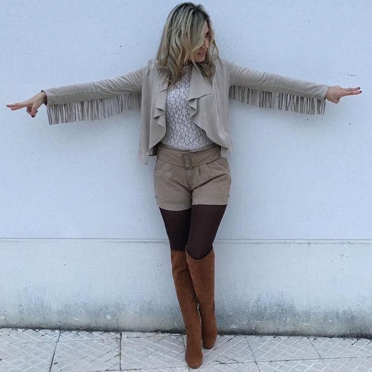 Buenos días perezosos Os muestro otra foto del look de ayer con la chaqueta de flecos de @sfera_moda no me puede gustar mas Ayer estuve en @primark y cogí unas cosillas bastante interesantes ya os las iré enseñando Y nada masque paséis un feliz día de fiesta y felicidades a todas las Inmaculadas Concepción!!! #ootd #outfitoftheday #lookoftheday #TagsForLikes.com #fashion #fashiongram #style #love #beautiful #currentlywearing #lookbook #wiwt #whatiwore #whatiworetoday #ootdshare #outfit…