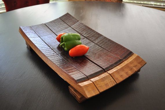 Wine Barrel Serving Platter and Unique Tray par WineSpirations