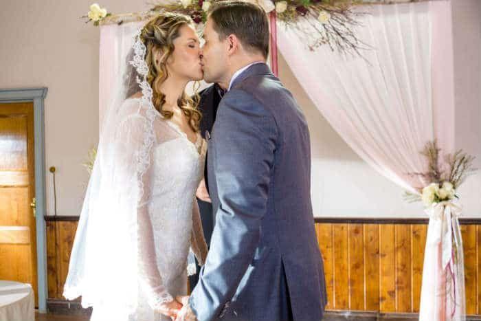 When Calls The Heart Prayers From The Heart Recap Tv Weddings