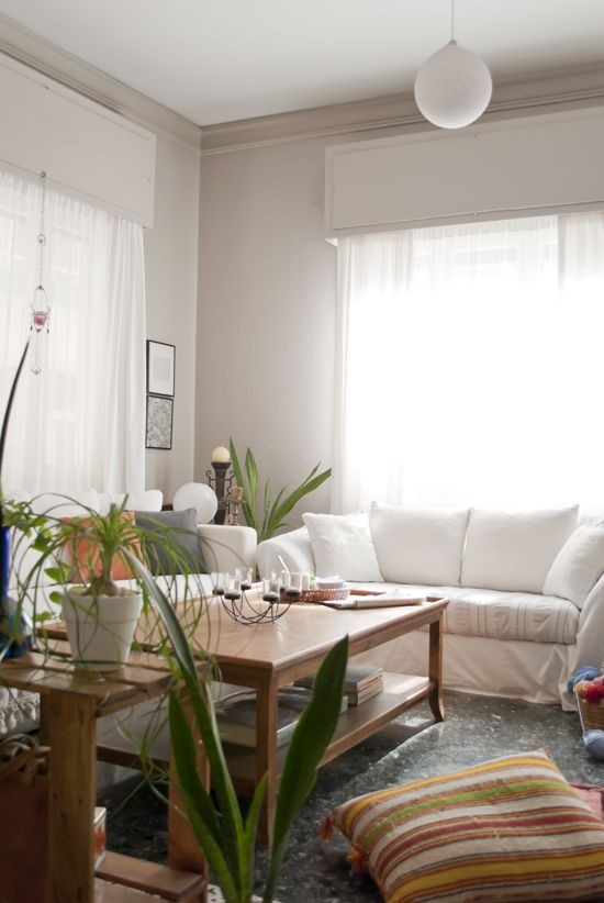 Another Great Living Room The Light From Window Gives This Warm Aura In