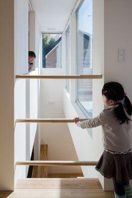 吹抜(色のある家) - 子供部屋事例|SUVACO(スバコ)