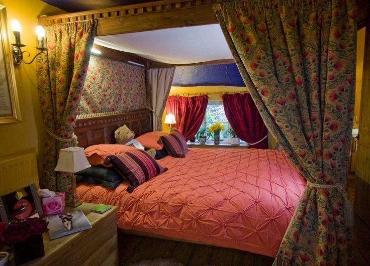 Wizards Thatch - romantic four poster bedroom in luxury suite, Alderley Edge, Cheshire, UK