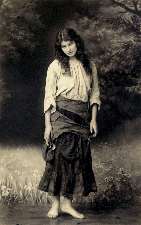 ► ► ► Heart of a Gypsy . https://www.pinterest.com/mystymay/heart-of-a-gypsy/