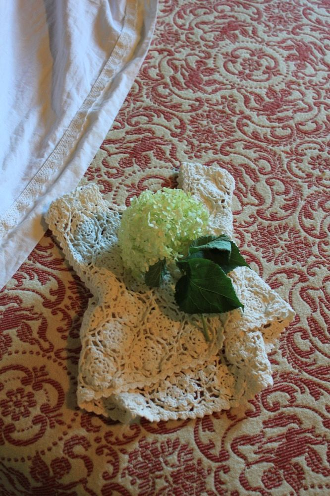 Lenzuola in lino cucito in modo artigianale, copeta in pura lana vergine Abruzzese
