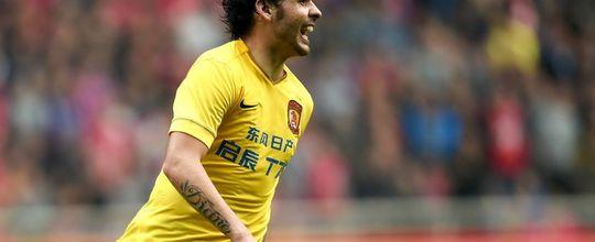 Ricardo Goulart marca mais um em vitória do Guangzhou; vídeo