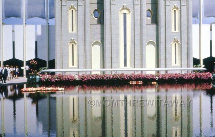 1964 COLOR SLIDE 637 New York World's Fair Mormon Pavilion & Reflection
